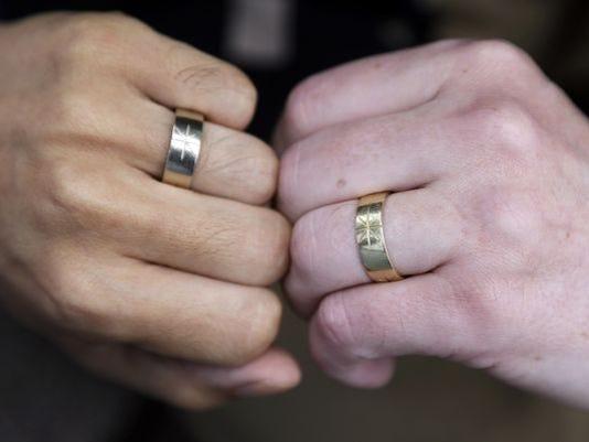 635687571466064144-wedding-rings