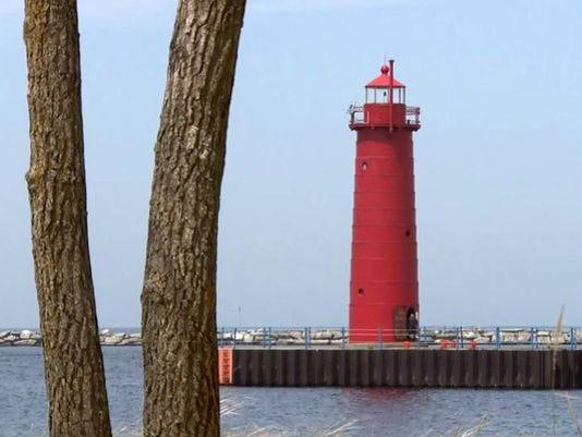 635712867319583389-635678224839171153-Muskegon-Lighthouse