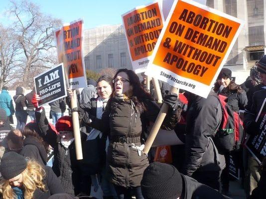 635719642570816864-abortion2