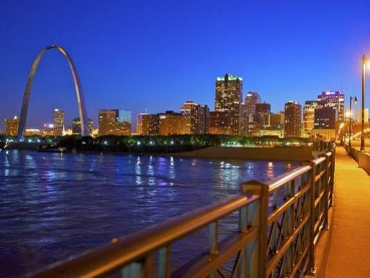 635755086129155654-635735907091195819-1398879612000-1394640630011-St-Louis-Skyline-from-Eads-Bridge