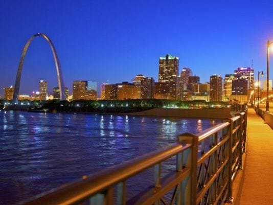 635755086129155654-635735907091195819-1398879612000-1394640630011-St-Louis-Skyline-from-Eads-Bridge