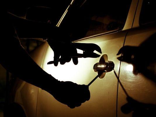 635767124648181368-Car-thief