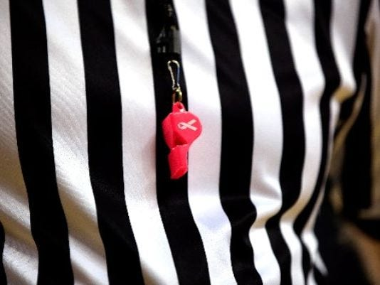 635772188876240809-referee