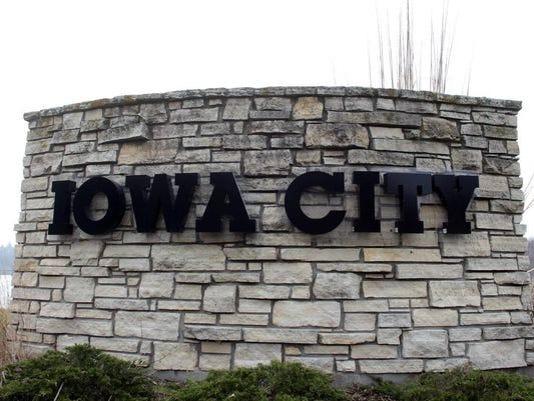 635778251518699418-Iowa-City-logo