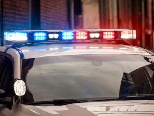 635797965831182657-police-lights