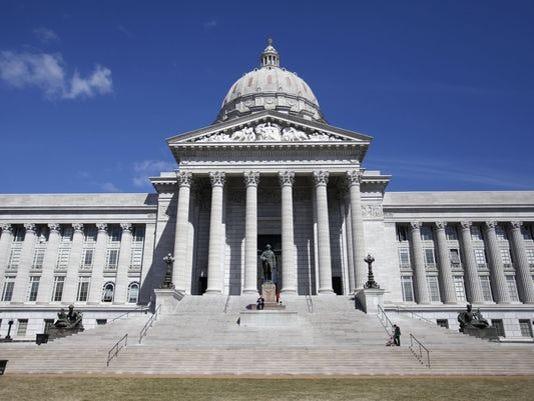635815285562673615-Missouri-Capitol
