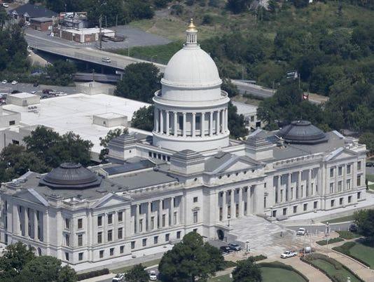 635826713211447029-635819154160473842-AP-Arkansas-State-Capitol