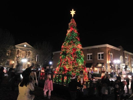 635829507651485697-franklin-christmas-tree