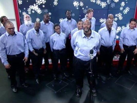 635835136880449214-homeless-choir.jpg