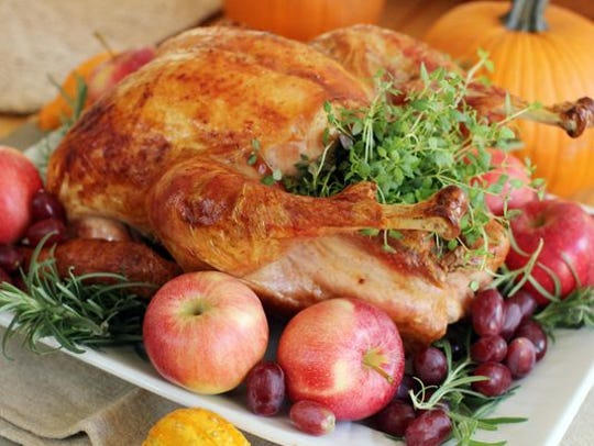 A 12- to 14-pound turkey is the optimal size, chefs