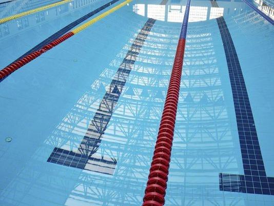 635854384733057813-swimming.jpg