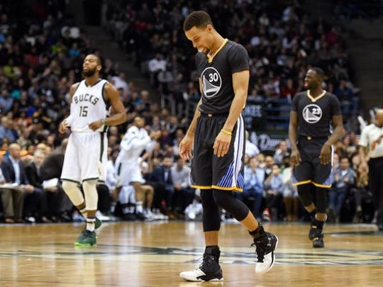 Steph Curry and Golden State went 24-0 before losing to the Bucks in early December.