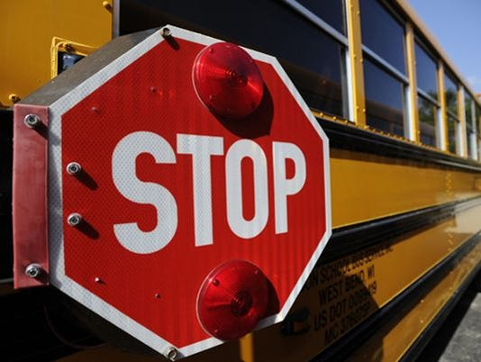 635884018823224339-635809313722012971-FON-082713-school-bus-4.jpg