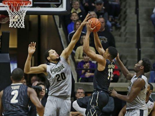 635889038804639610-635864248964510087-LAF-Purdue-men-s-basketball-gamer-Vanderbilt-02.jpg