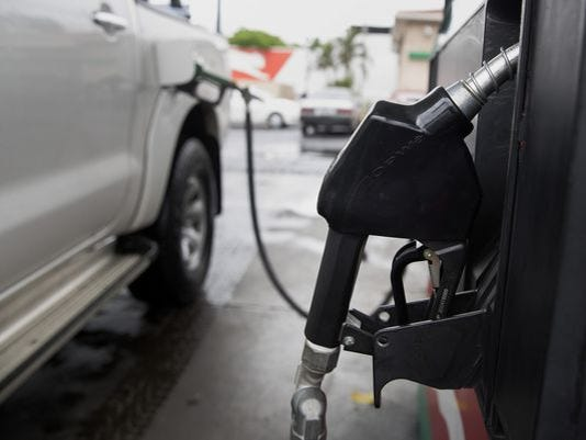 635890581442439205-gas-pump.jpg