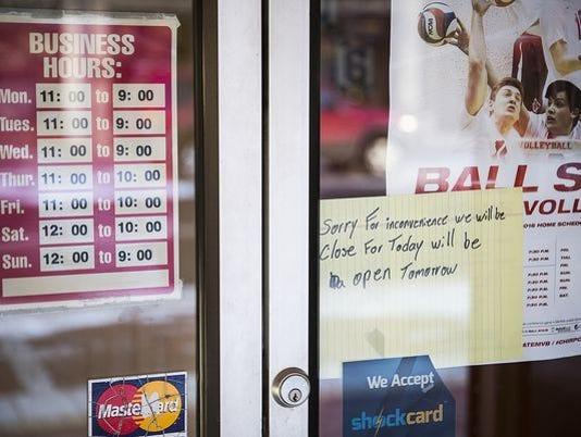 Warrants Served At 2 Muncie Restaurants