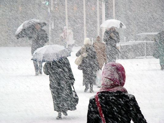 635890296421000839-635889718384802032-snowstorm.jpg