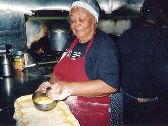 Restaurateur Elizabeth White makes a peach cobbler