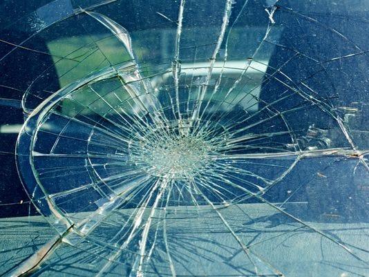 635900146799747261-crash.jpg