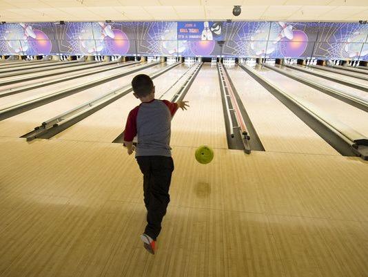635907403500192142-bowling.jpg