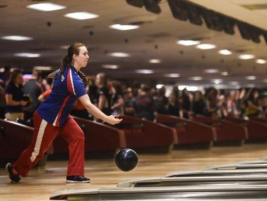 Zane Trace's Julie Hixson bowls at Wayne Webb's Columbus