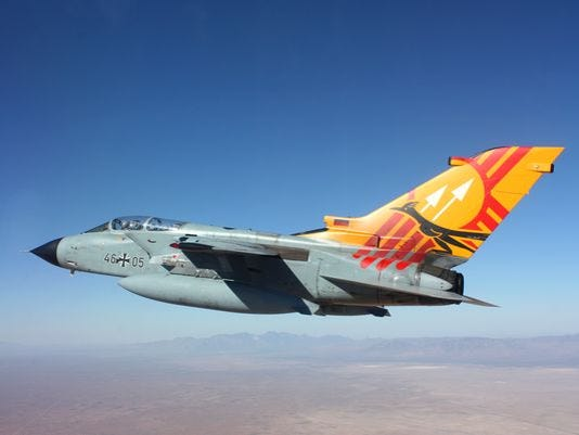 635966876726058929-military-plane.jpg
