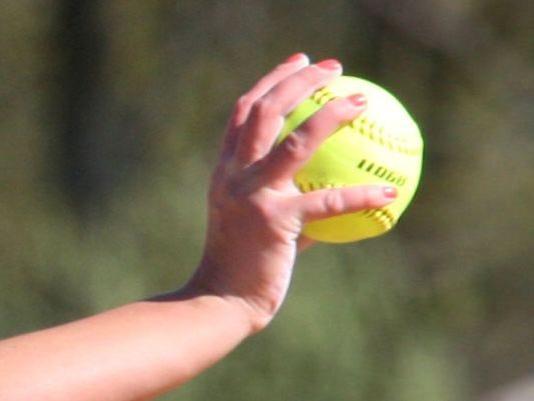 635970201896889935-Softball-in-hand.jpg
