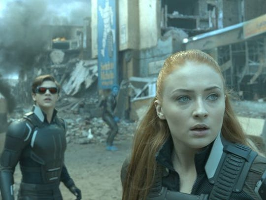 Cyclops (Tye Sheridan) and Jean (Sophie Turner) battle bad guys in 'X-Men Apocalypse.'
