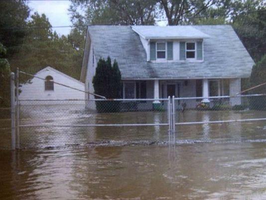 636023866757300901-Marshallton-flood.jpg