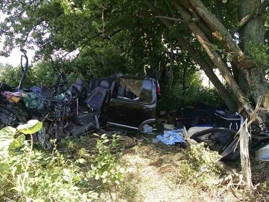 636027000563504907-coopersville-crash.jpg