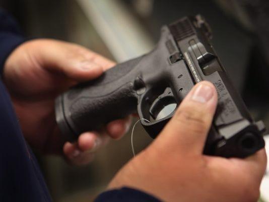 636029251326799652-gun.jpg