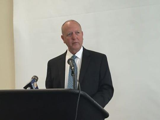 El comisionado agrícola Eric Lauritzen en su conferencia de prensa anual el martes.