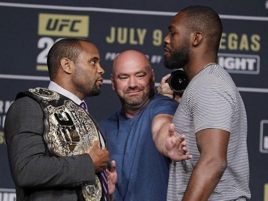 636052557848622834-UFC200.jpg