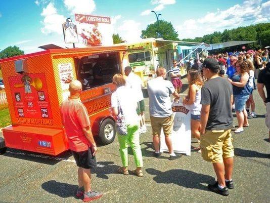 636059955137650334-food-truck.jpg