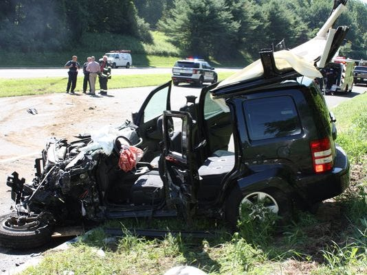 636072062481197363-636046076783014327-ST2016-018600-Route-15S-Accident-034.JPG