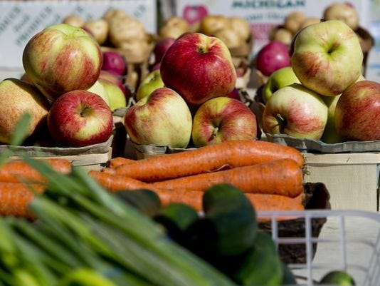 636080647661651453-farmers-market.jpg