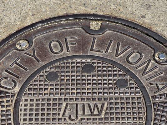 636099602854908491-manhole.jpg