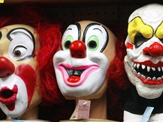 636111972416388213-clowns.jpg