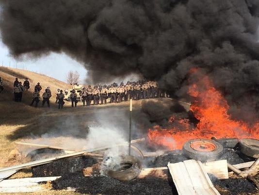 636135194747166439-636131827962434817-AP-Oil-Pipeline-Protest.4.jpg