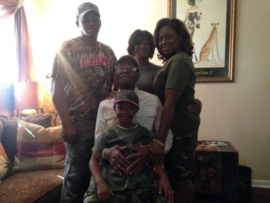 Willie Lee Wright with family