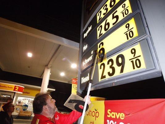 636171542767877952-636135829066607414-gas-prices-110116.jpg