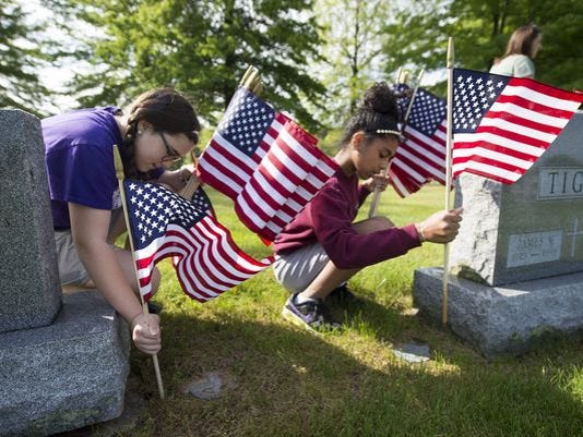 636173127710541520-veterans-flags.jpg