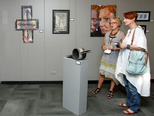 636244849103083645-ulm-art-crawl-photo-from-news-star.jpg