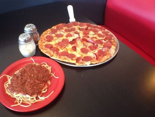 Ahart's Pizza Garden is located at 2476 Old Fort Parkway,