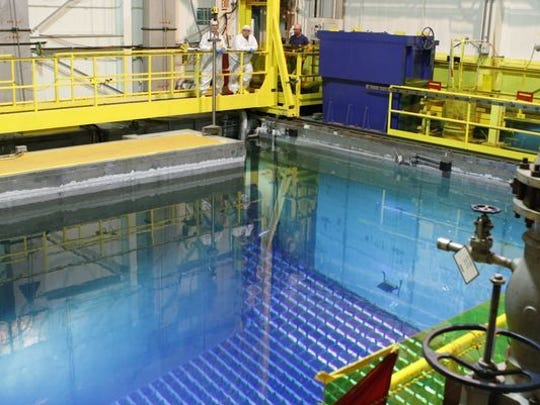 Work to replace the fuel rods at Indian Point 3 as