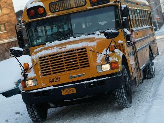 636295244536637898-school-delays.jpg