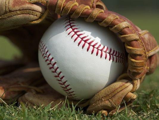 636312626614813965-636295173742225564-baseball-glove-grass.jpg