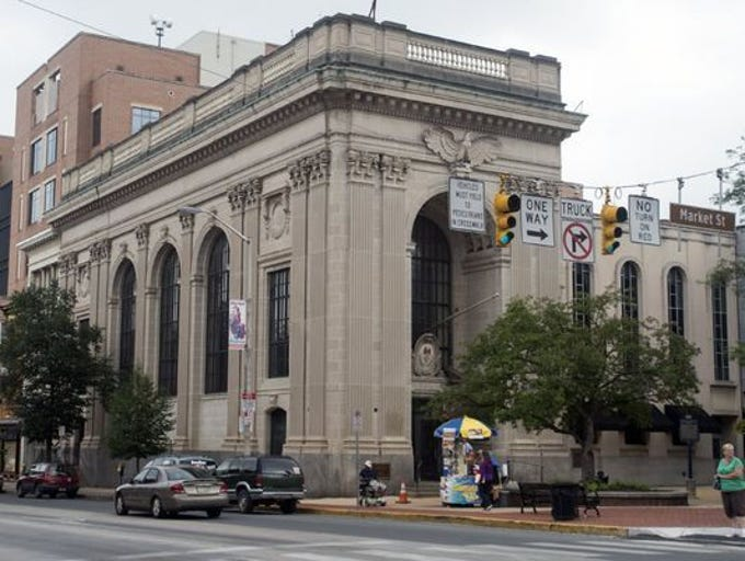 The Citizens Bank building sits at the intersection