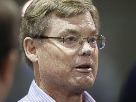 Bobby Elliott, the son of former Michigan coach Bump