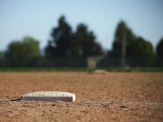 636372597699238113-CNT-softball-lawsuit.jpg